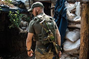 Quatre attaques ennemies dans le Donbass