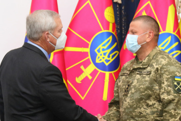 Commander-in-Chief Zaluzhny meets with adviser of NATO Representation to Ukraine
