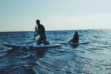 Sonnenaufgang auf dem Meer: Drei Stehpaddler fünf Kilometer vor Küste gerettet