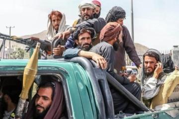 Diplomáticos en contacto con 12 ucranianos bloqueados en una base militar en Afganistán