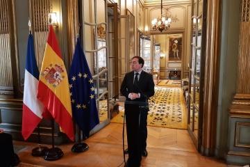 Spanischer Außenminister reist zu Gipfel der Krim-Plattform