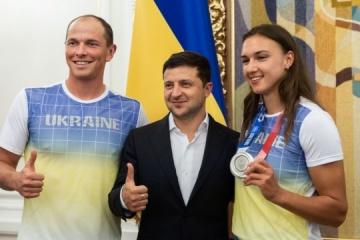 Zelensky meets with Ukraine's Olympics medal winners