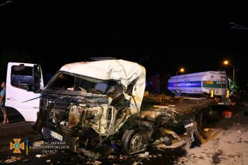 Vier Lkws kollidieren in Dnipro, ein Fahrer stirbt