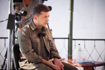 Selenskyj reagiert auf Beschuss des Autos seines Helfers Schefir: Antwort wird stark sein
