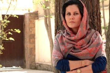 Kuleba cuenta los detalles de la evacuación de la directora de cine afgana Karimi a Ucrania