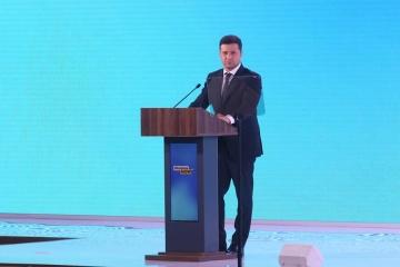 """Zelensky otorga premios """"Rescatador-héroe del año"""""""