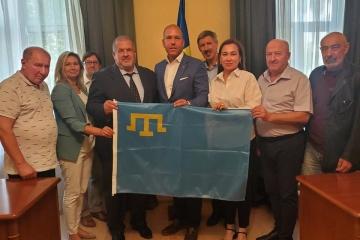 El Congreso Mundial de Ucranianos se reúne con Mejlis del Pueblo Tártaro de Crimea