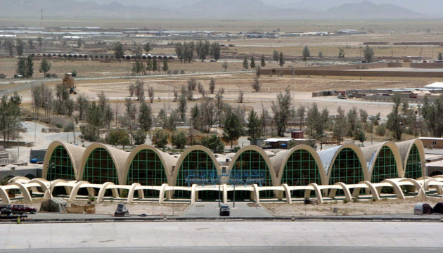 Талибан обстрелял аэропорт Кандагара в Афганистане, полеты прекращены