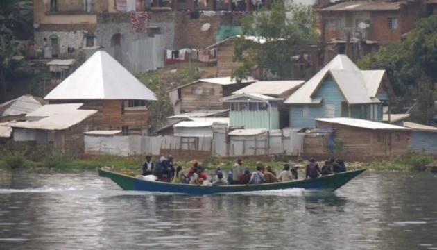 У Конго перекинулося каное, серед потонулих - семеро дітей