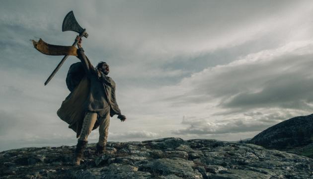 Киноавгуст: Рыцари, призраки и звёзды соцсетей