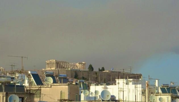 Афинский пригород эвакуируют из-за лесных пожаров