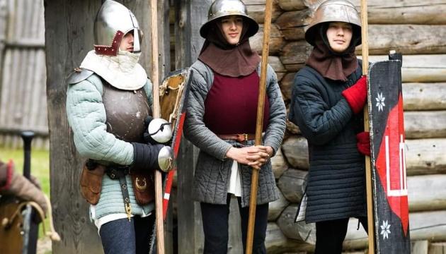 На Львовщине проходит самый масштабный фестиваль-лагерь средневековья «ТуСтань!»