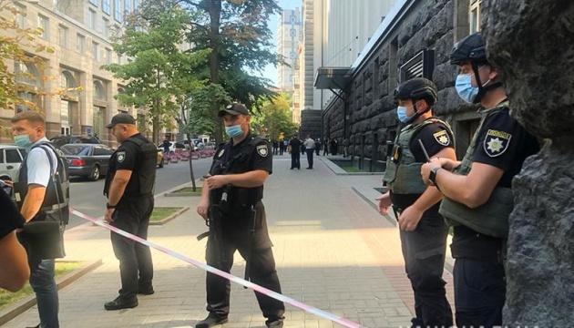 Неизвестный угрожает взорвать здание Кабмина