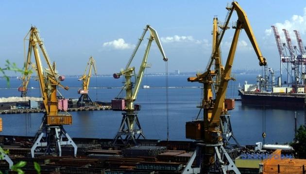 Одесский порт впервые за полгода получил прибыль