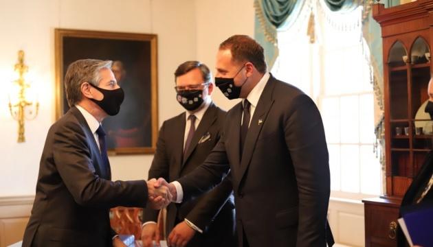 Кулеба та Єрмак зустрілися з держсекретарем США Блінкеном