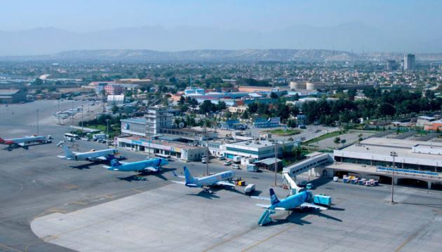 По аэропорту Кабула выпустили пять ракет - СМИ