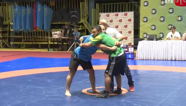 キーウでクリミア・タタール民族格闘技「クレシュ」大会開催