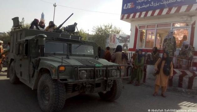Таліби не зможуть користуватися технікою, що залишилася в аеропорту Кабула - Пентагон