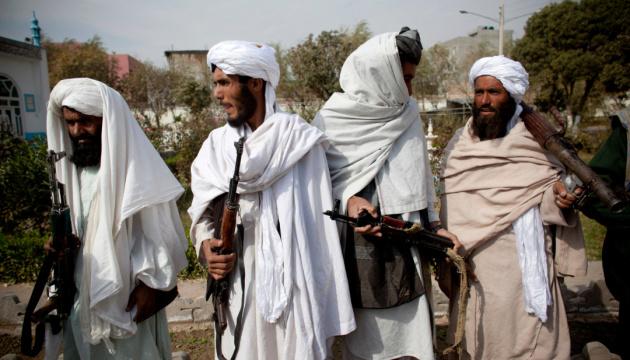 Талибы заявили, что занятия в афганских школах возобновятся только для мальчиков
