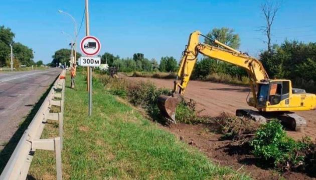 На Київщині ремонтують вісім кілометрів траси Бориспіль – Маріуполь