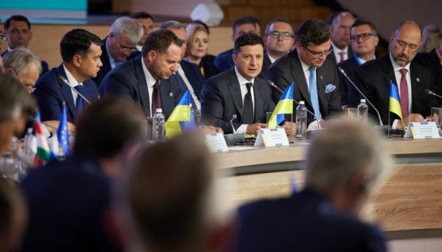 Selenskyj: Krim-Plattform muss Russland zu Verhandlungen über die Rückkehr der Krim zwingen