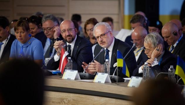 ラトビア大統領「外国領の併合・占領は19世紀の政策」