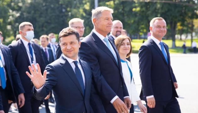ゼレンシキー大統領、モルドバ独立記念日式典に出席