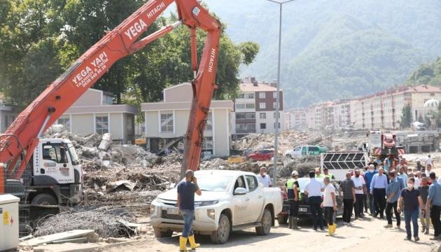 У Туреччині досі шукають людей та усувають наслідки негоди на півночі країни