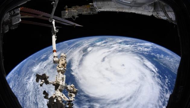 Астронавт «подивився» в «око» урагану Іда з космосу