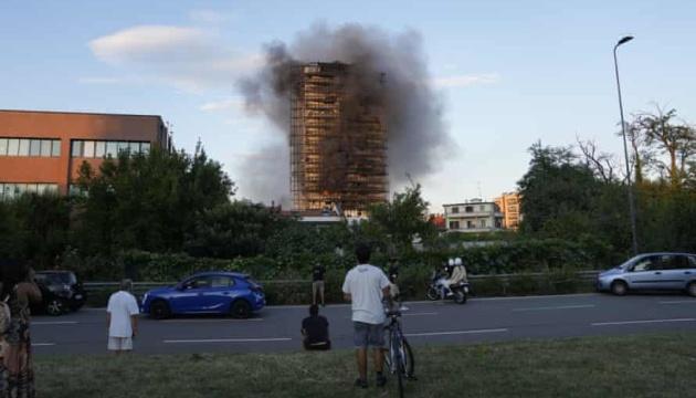 В Милане горел 20-этажный дом, есть пострадавшие
