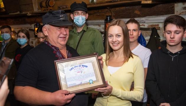 Швейцар львовского ресторана попал в Книгу рекордов Украины за приветствие «Героям слава!»