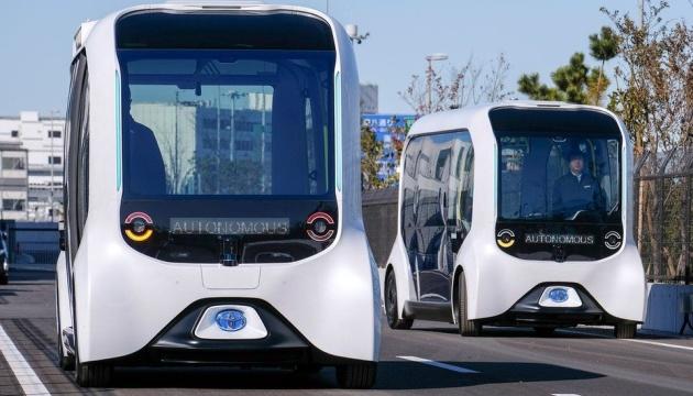 Toyota возобновляет работу беспилотных автобусов после аварии на Паралимпиаде