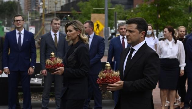 Чета Зеленских в Вашингтоне почтила память жертв Голодомора