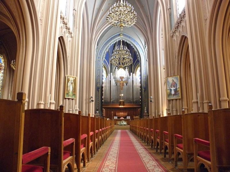 Всередині костелу Святого Миколая. Сучасне фото