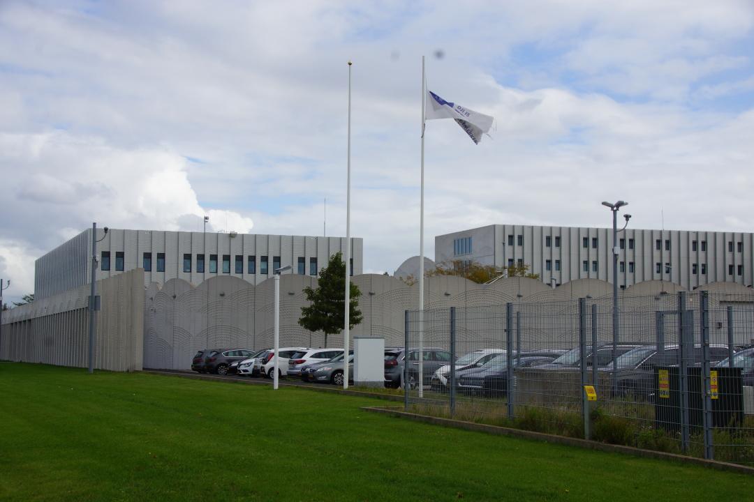 Court in Schiphol