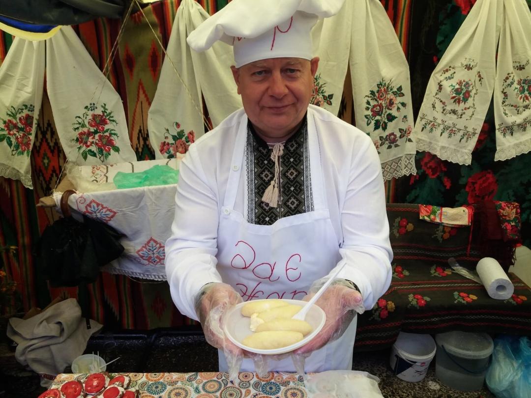 Іван Коруд готує картопляні штурханці