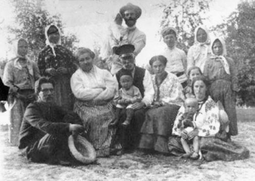 останнє прижиттєве фото Івана Карпенка-Карого, хутір надія, 1907 р.