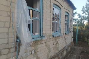 Оккупанты обстреляли поселок Тарамчук - повреждены дома, нет электричества