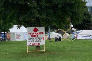 У центрі Берліна уже 19 днів голодують екоактивісти