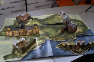 На BookForum презентували 3D-книгу «Палаци і фортеці України»