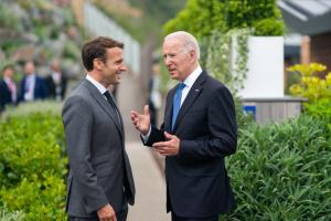 Байден и Макрона договорились о встрече в октябре - Белый дом