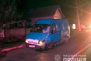 На Буковині мотоцикл врізався у мікроавтобус: двоє загиблих