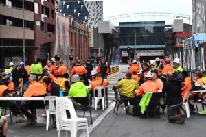 У Мельбурні після протестів будівельників проти вакцинації закрили будмайданчики