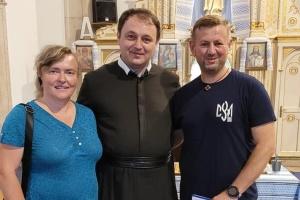 У Лісабоні члени Спілки української молоді зустрілася з парохом УГКЦ