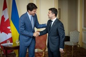 Зеленський привітав Трюдо з перемогою на виборах та чекає його з візитом у Києві