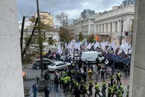Біля Ради сталися сутички між ФОПами та правоохоронцями