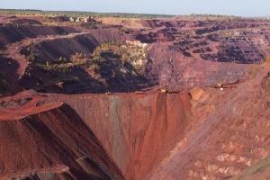 Держекоінспекція розпочала позапланову перевірку підприємства з видобутку залізної руди