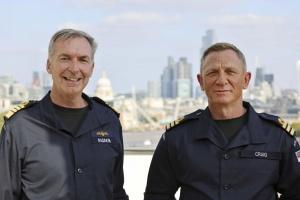 Деніел Крейг отримав ранг Джеймса Бонда у Королівському ВМФ Британії