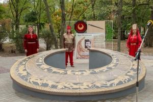 У Нікополі відкрили найбільшу в Україні інсталяцію у формі скіфської пекторалі