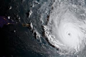 Атлантичний ураган Сем набрався сил та суне в бік Північної Америки